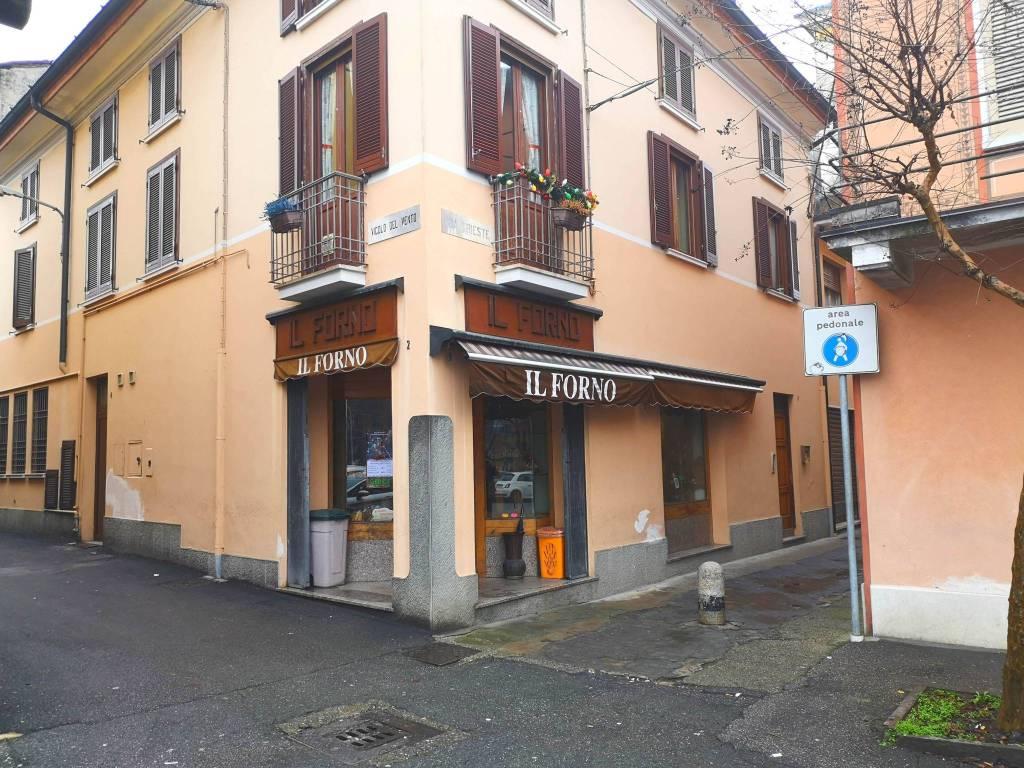 Attività / Licenza in vendita a Pontevico, 4 locali, prezzo € 130.000 | CambioCasa.it