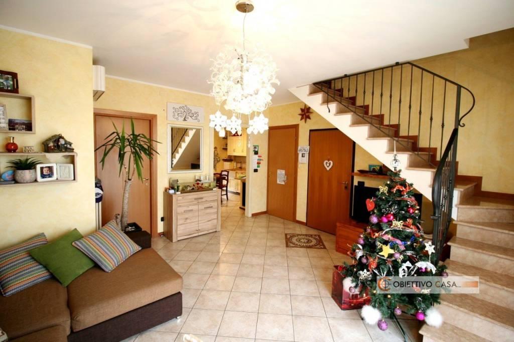 Appartamento in ottime condizioni in vendita Rif. 8998790