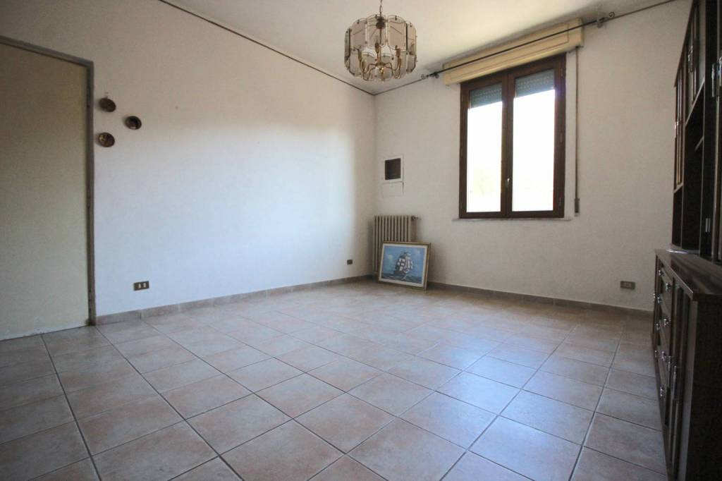 Appartamento in buone condizioni arredato in vendita Rif. 8997538