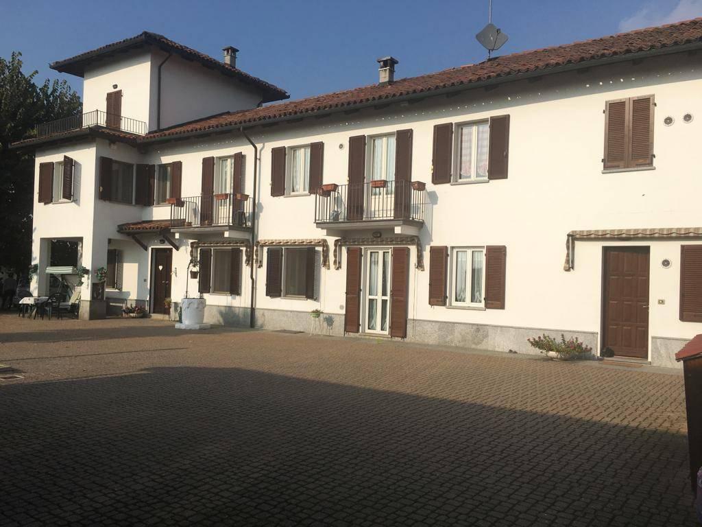 Foto 1 di Rustico / Casale Frazione Quarto Superiore, Asti