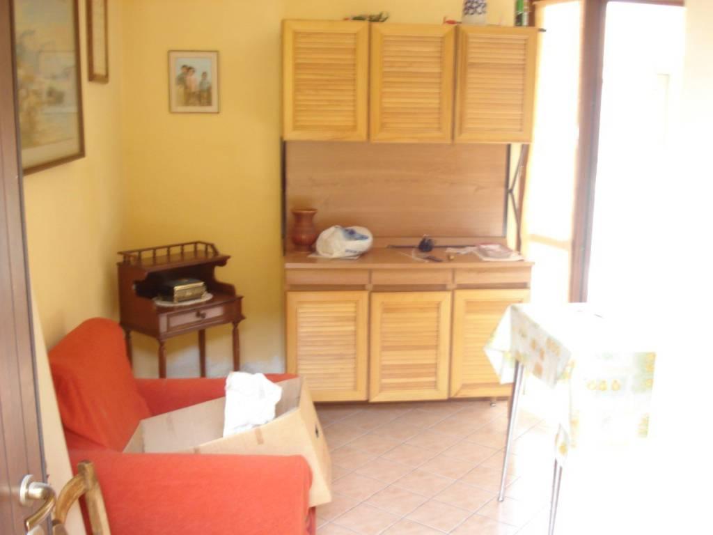 Appartamento in ottime condizioni in vendita Rif. 9013228