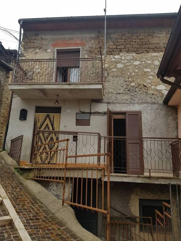 Casa Indipendente in buone condizioni parzialmente arredato in vendita Rif. 9015898