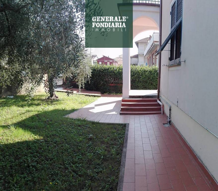 Appartamento in centro Ceparana.