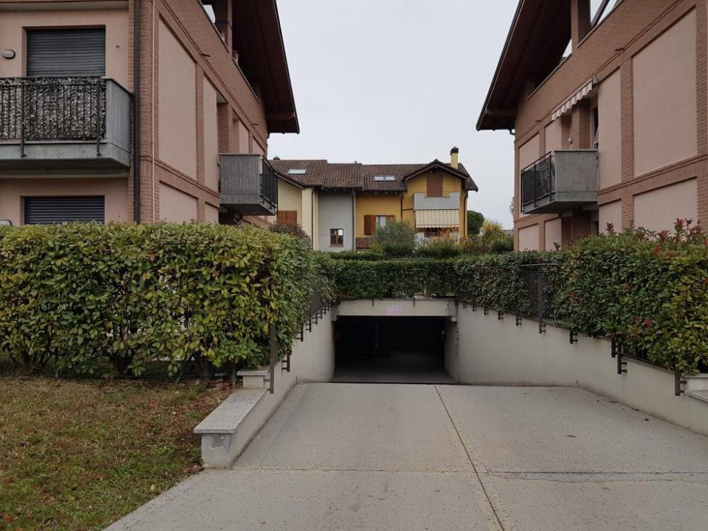 Appartamento in buone condizioni in vendita Rif. 9448692