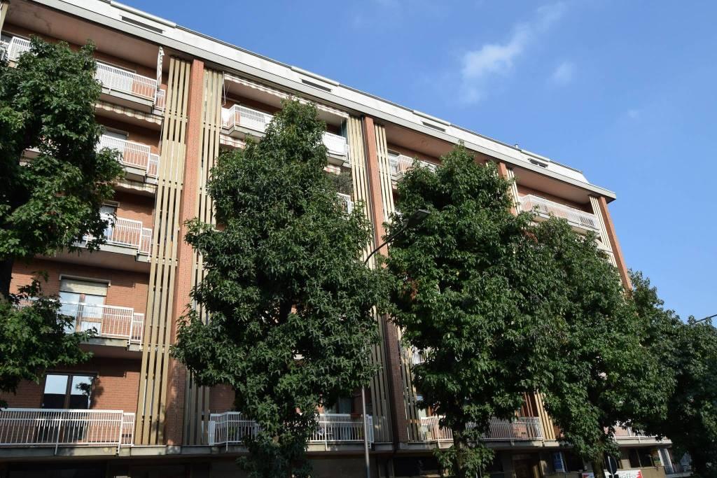 Appartamento in buone condizioni in vendita Rif. 9198807