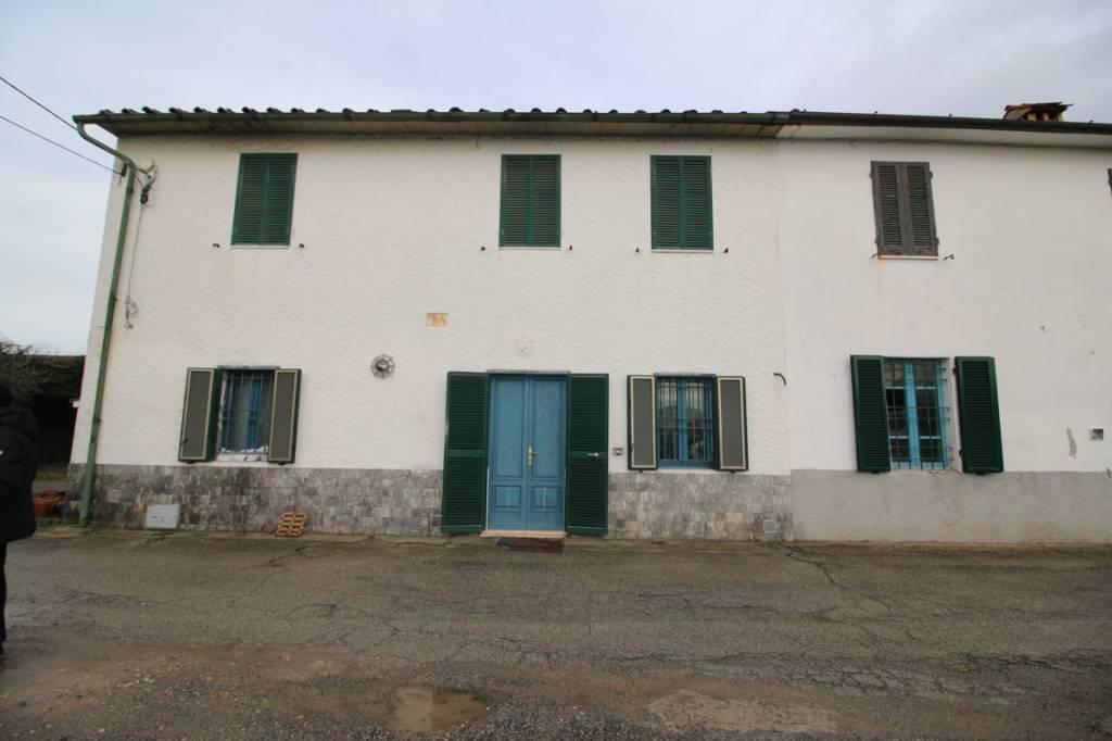 Appartamento in buone condizioni parzialmente arredato in vendita Rif. 9014669