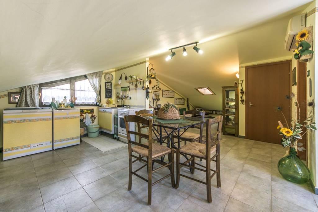 Appartamento in ottime condizioni in vendita Rif. 9014028
