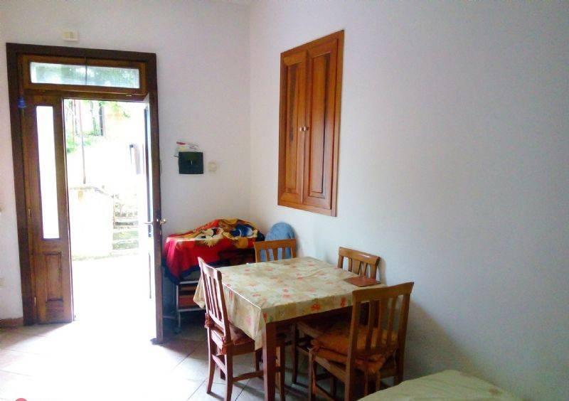 Appartamento in buone condizioni arredato in affitto Rif. 9030609