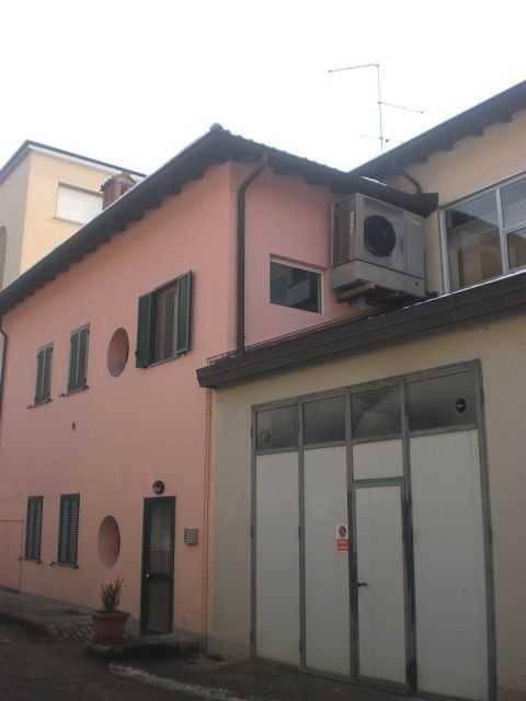 Ufficio / Studio in affitto a Pavia, 4 locali, prezzo € 1.200 | PortaleAgenzieImmobiliari.it