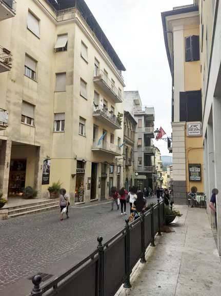 Appartamento in ottime condizioni in vendita Rif. 9025304