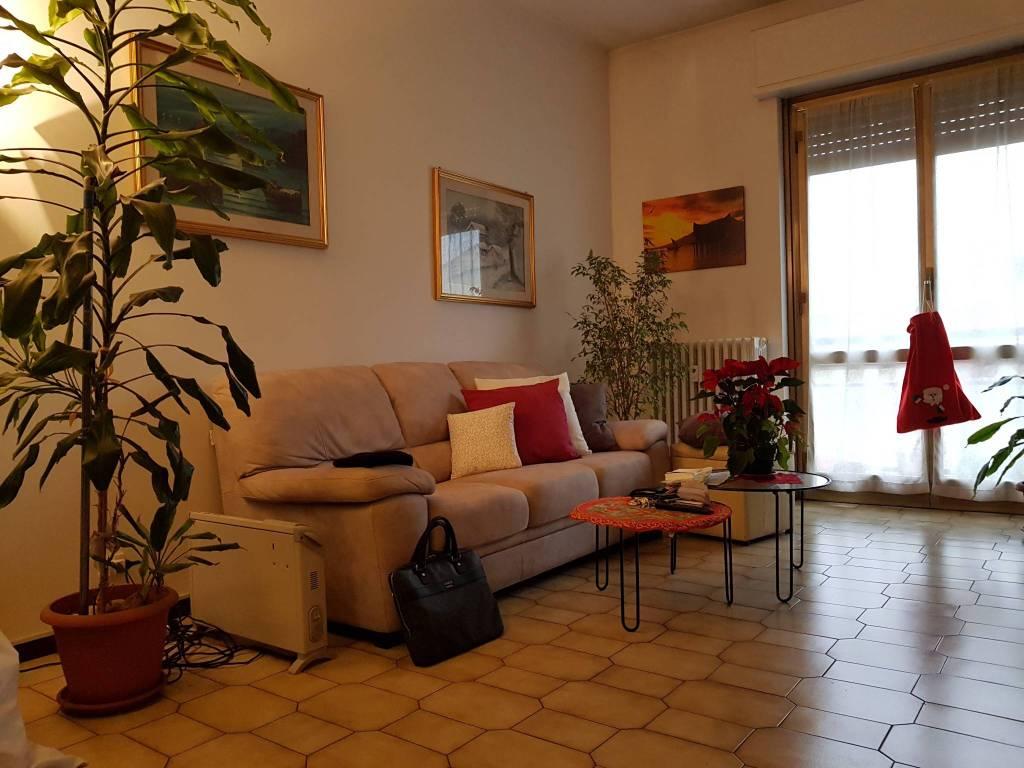 Appartamento in buone condizioni in vendita Rif. 9012156