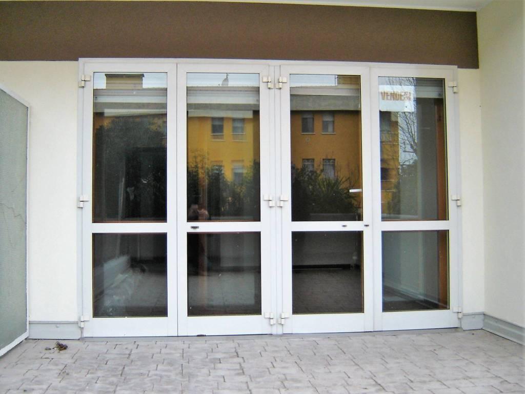 Appartamento in buone condizioni parzialmente arredato in vendita Rif. 9151786
