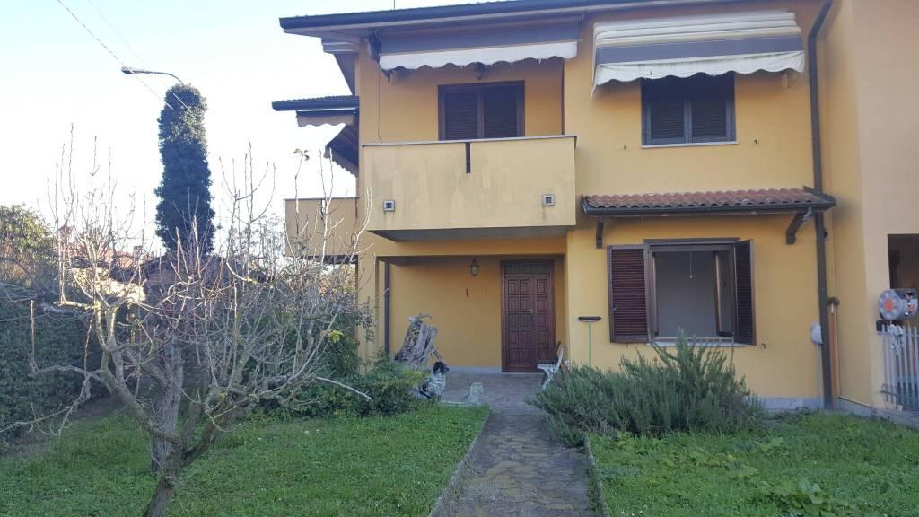 Villa a Schiera in vendita a San Zenone al Po, 5 locali, prezzo € 140.000   CambioCasa.it