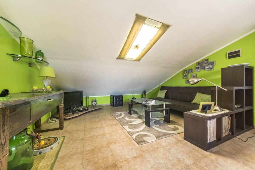 Appartamento in ottime condizioni in vendita Rif. 9014030