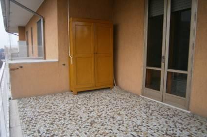 Appartamento in buone condizioni in affitto Rif. 9011948