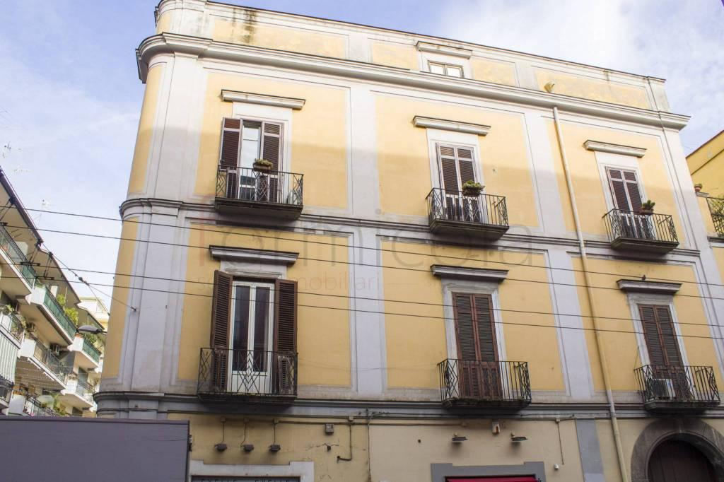 Appartamento in buone condizioni in affitto Rif. 9013450