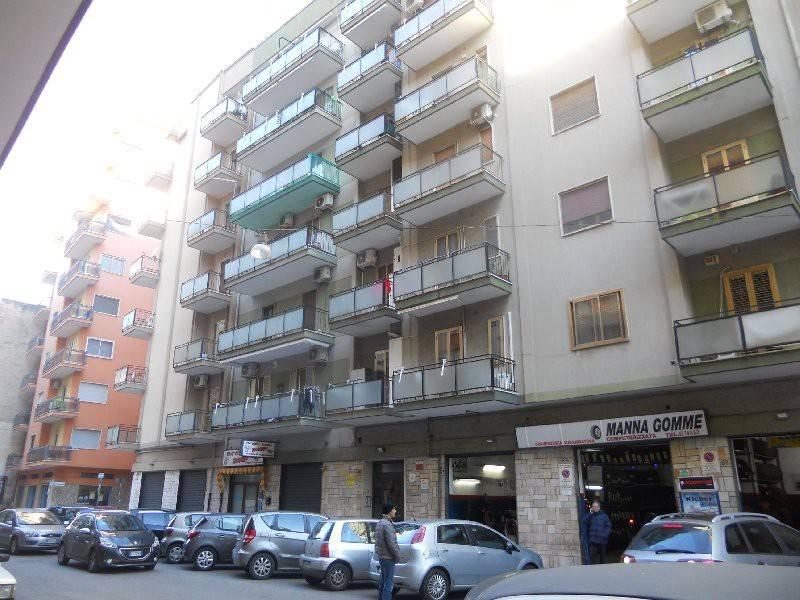 via G. Messina ampio 3 vani con terrazzo
