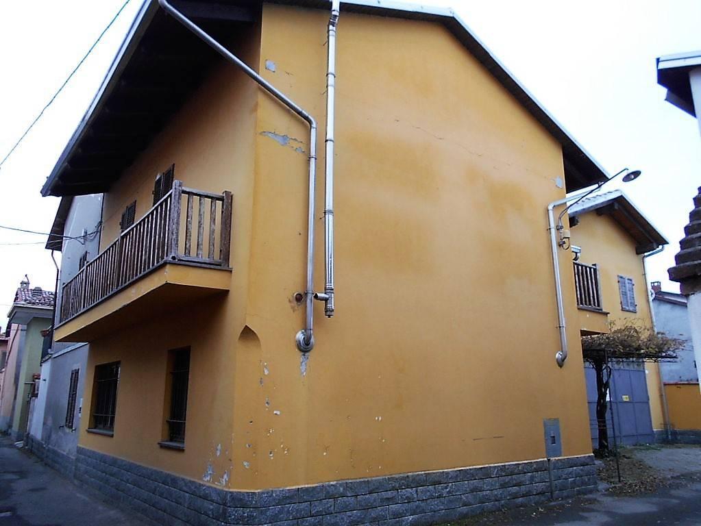 Villa in affitto a Cigliano, 5 locali, prezzo € 500 | CambioCasa.it