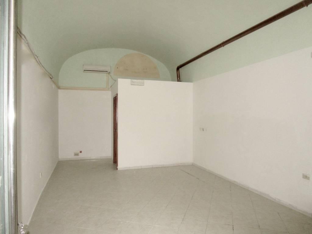 FONDO COMMERCIALE IN PIENO CENTRO UNIVERSITARIO SANTA MARIA Rif. 9023900