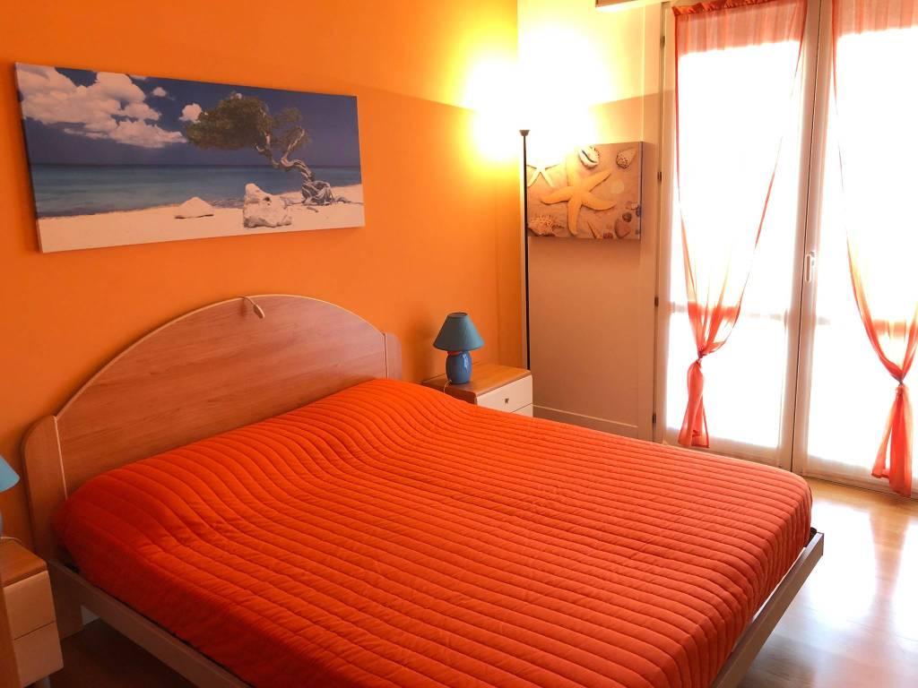 Appartamento in ottime condizioni arredato in vendita Rif. 9025803