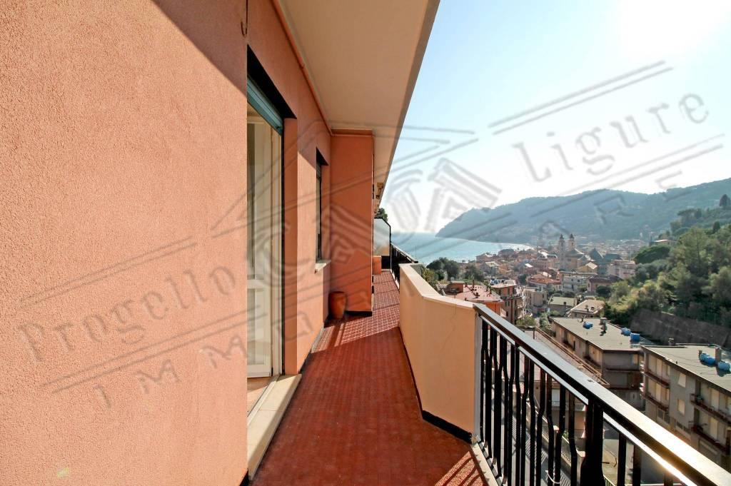Appartamento in ottime condizioni arredato in vendita Rif. 9012004