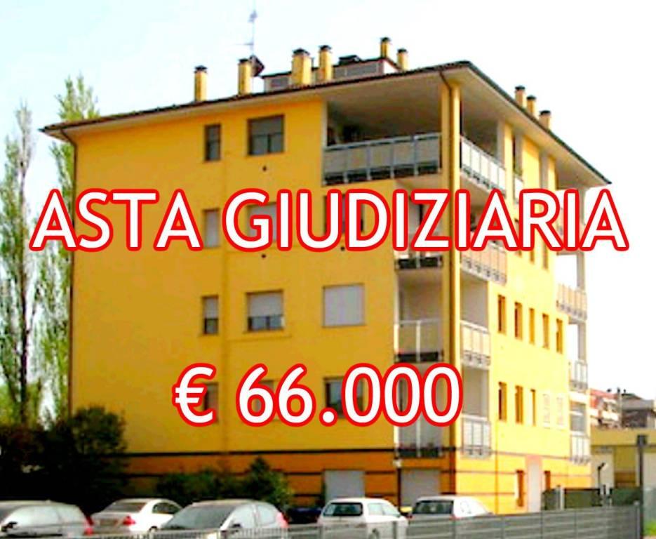 Appartamento in buone condizioni in vendita Rif. 9025531