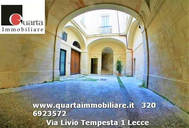 Appartamento in ottime condizioni parzialmente arredato in affitto Rif. 9030455