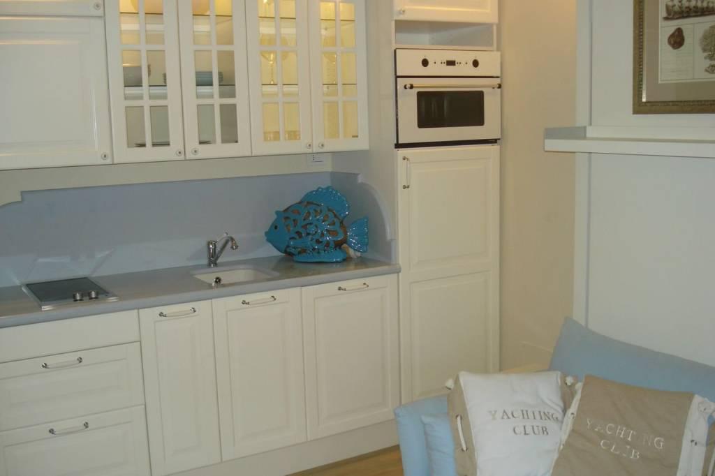 Appartamento in ottime condizioni arredato in vendita Rif. 9030534