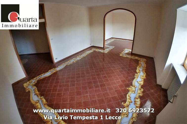 Appartamento in Affitto a Lecce Centro: 5 locali, 270 mq