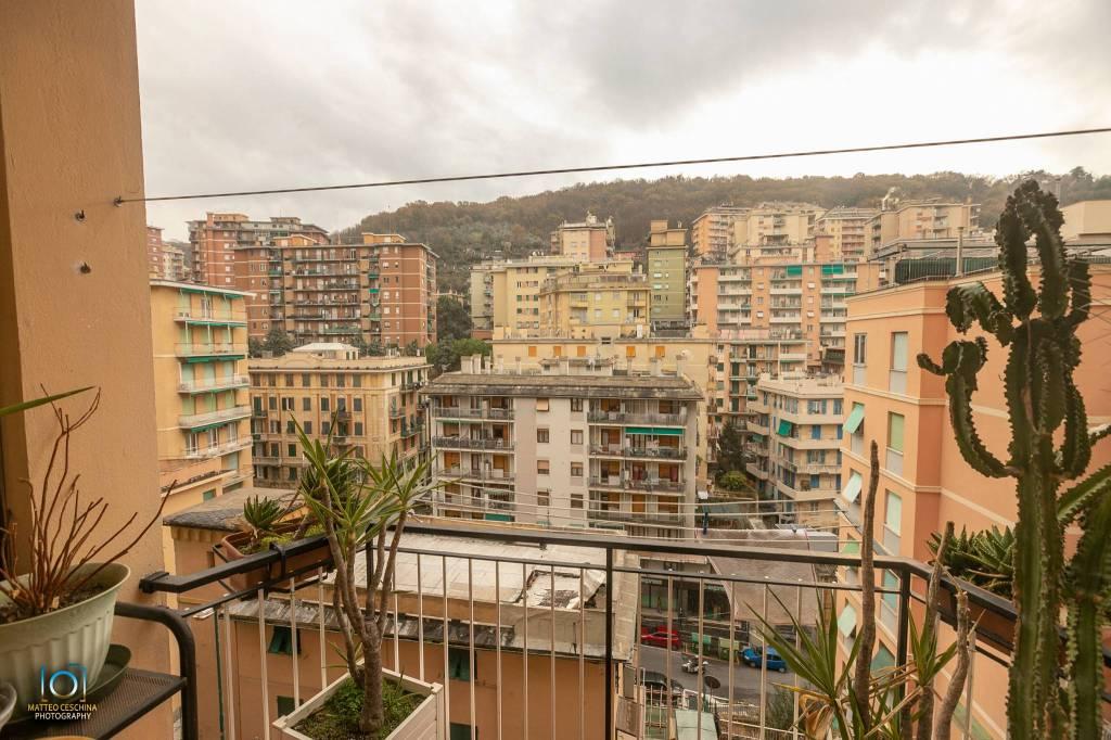 Foto 1 di Trilocale via del Capriolo 7, Genova (zona S.Fruttuoso-Borgoratti-S.Martino)