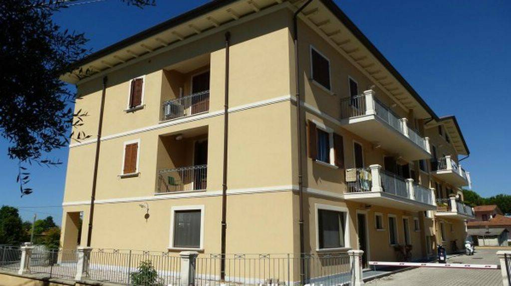 Appartamento in ottime condizioni arredato in vendita Rif. 9036296