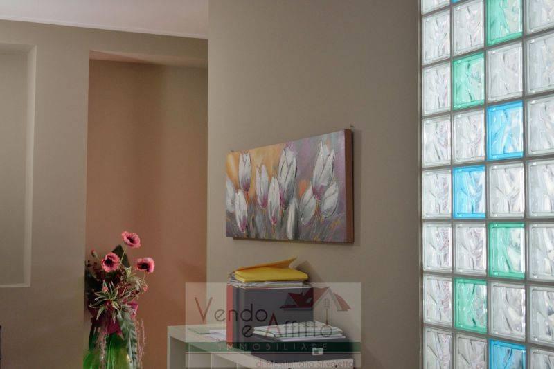 Appartamento in ottime condizioni parzialmente arredato in vendita Rif. 9045585