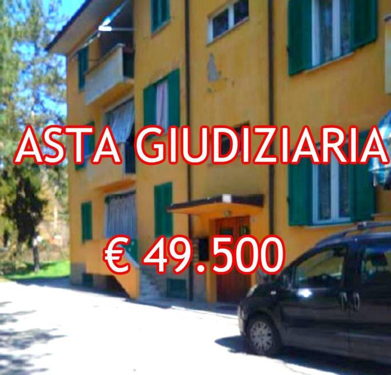 Appartamento in buone condizioni in vendita Rif. 9045463