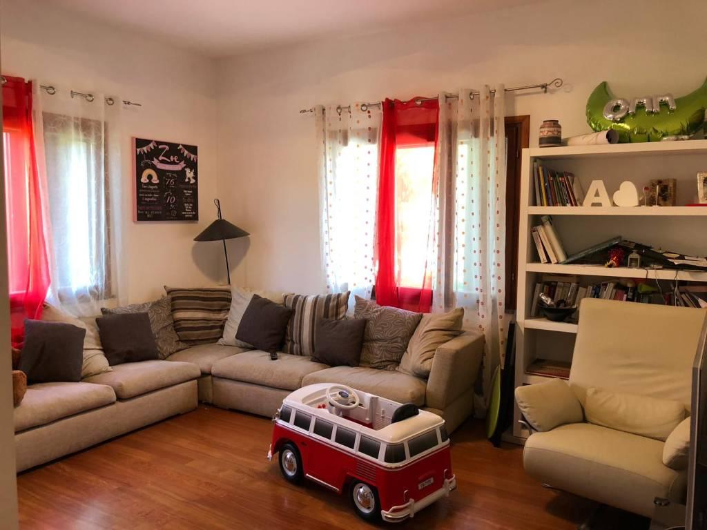 Appartamento in ottime condizioni in vendita Rif. 9044723