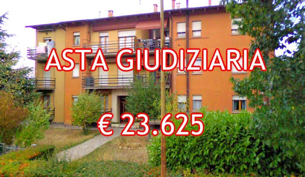 Appartamento in buone condizioni in vendita Rif. 9045458