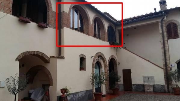 Appartamento in buone condizioni in vendita Rif. 9046521