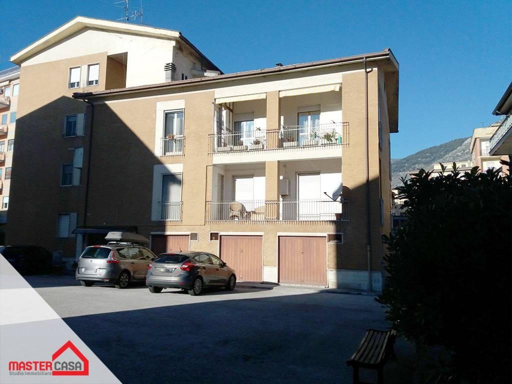 Appartamento in buone condizioni arredato in affitto Rif. 9046629