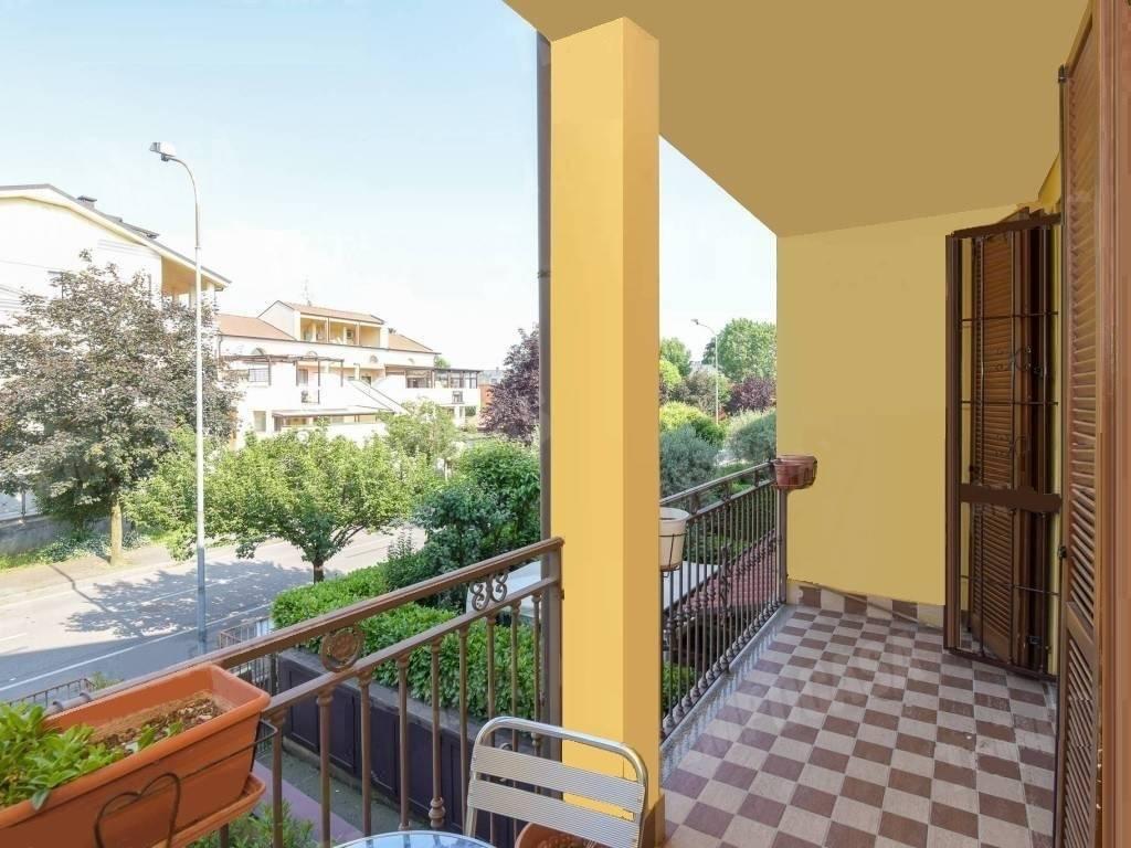Appartamento in buone condizioni in vendita Rif. 9154945