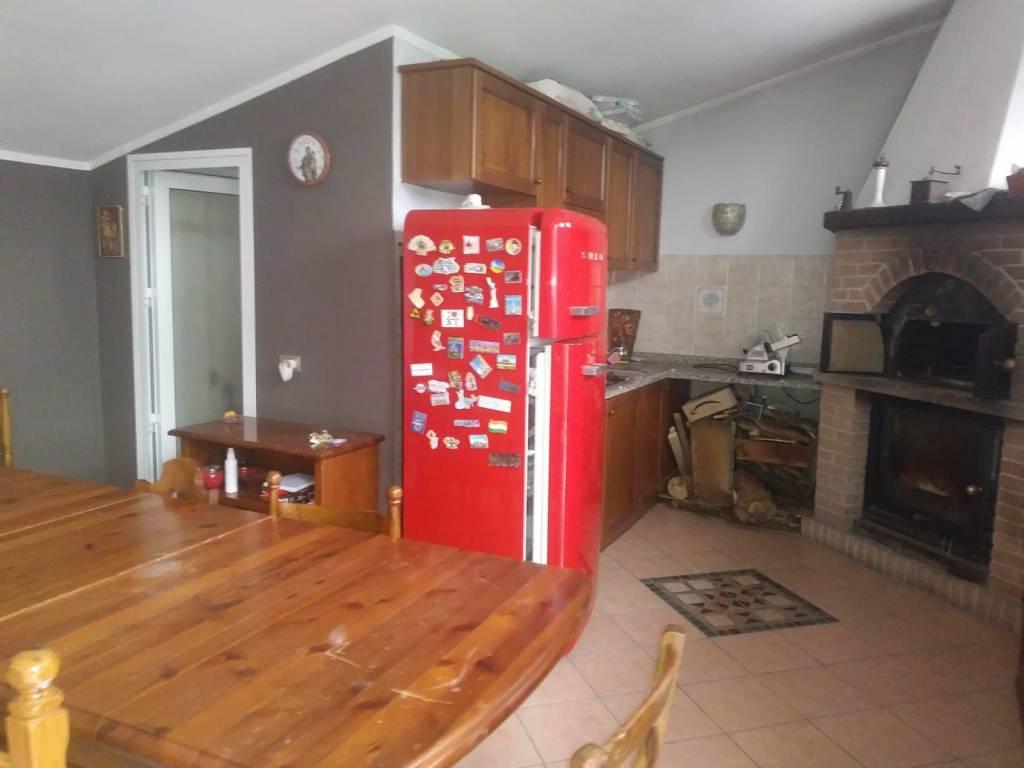 Appartamento in buone condizioni in vendita Rif. 8997840