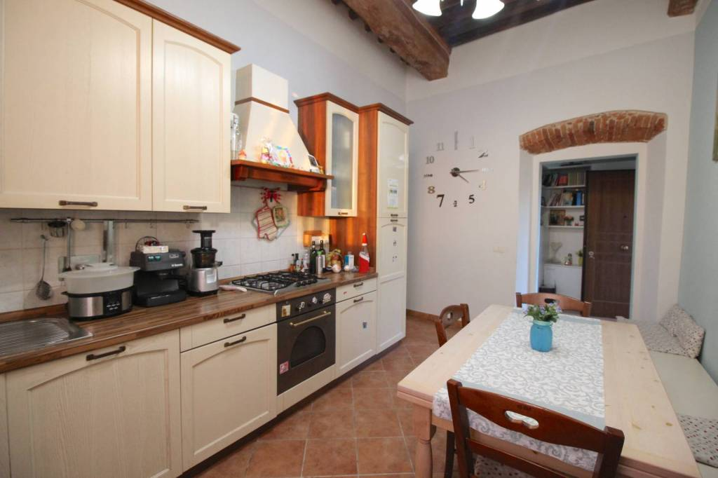 Appartamento in ottime condizioni in vendita Rif. 9044744