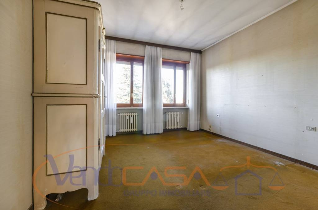 Appartamento da ristrutturare in vendita Rif. 9054175