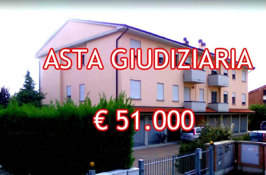 Appartamento in buone condizioni in vendita Rif. 9052850