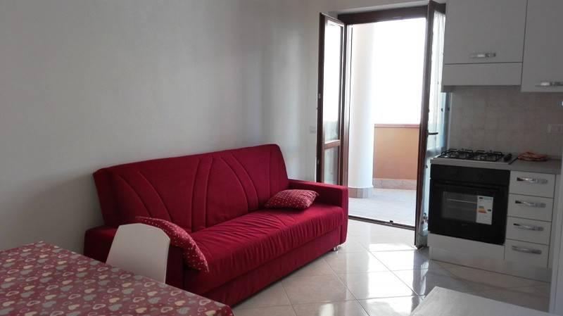 Appartamento in vendita a Ladispoli, 2 locali, prezzo € 108.000 | PortaleAgenzieImmobiliari.it