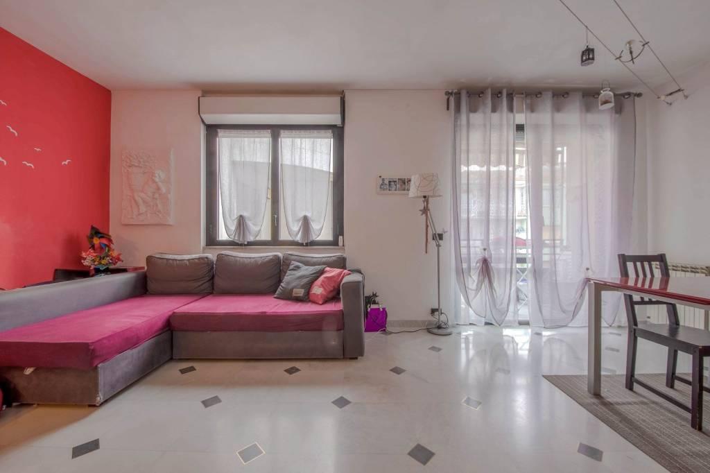Appartamento in ottime condizioni parzialmente arredato in vendita Rif. 9051898