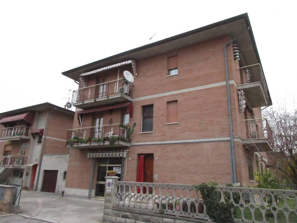 Appartamento in ottime condizioni in vendita Rif. 9052954