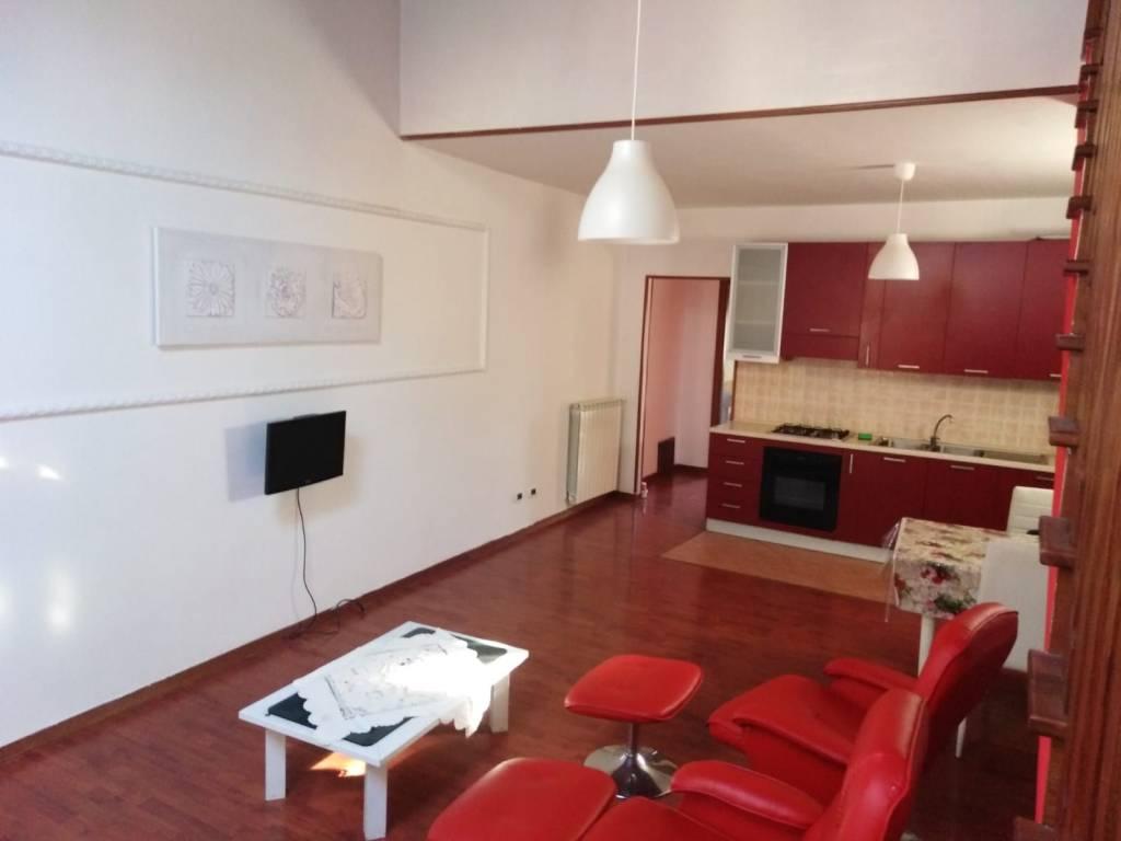 Appartamento in ottime condizioni arredato in vendita Rif. 9054020