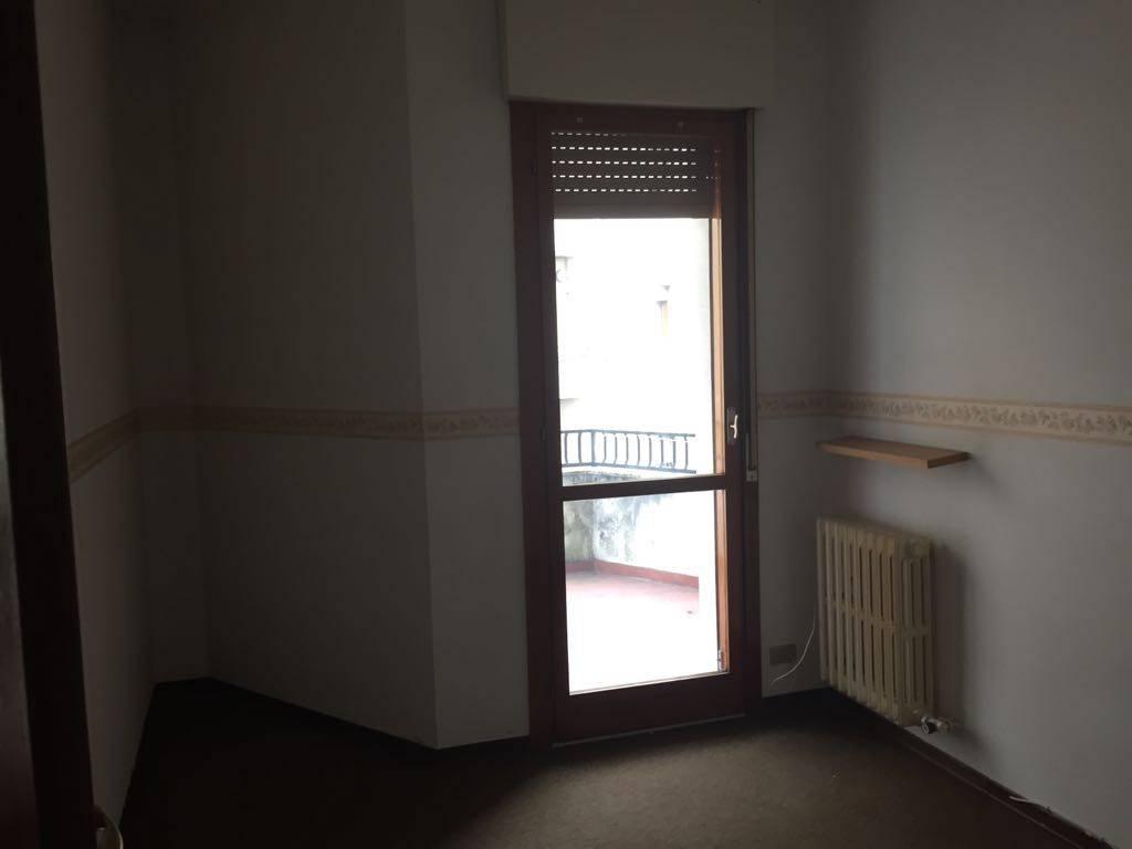 Appartamento quadrilocale in affitto a Lurate Caccivio (CO)