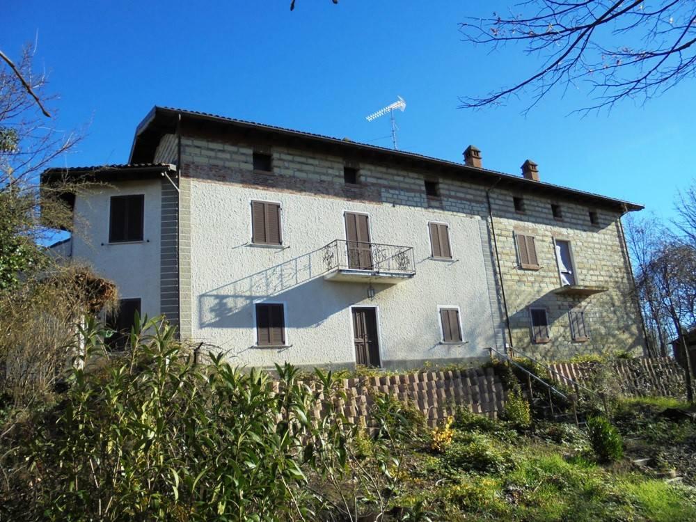 Rustico 5 locali in vendita a Solonghello (AL)