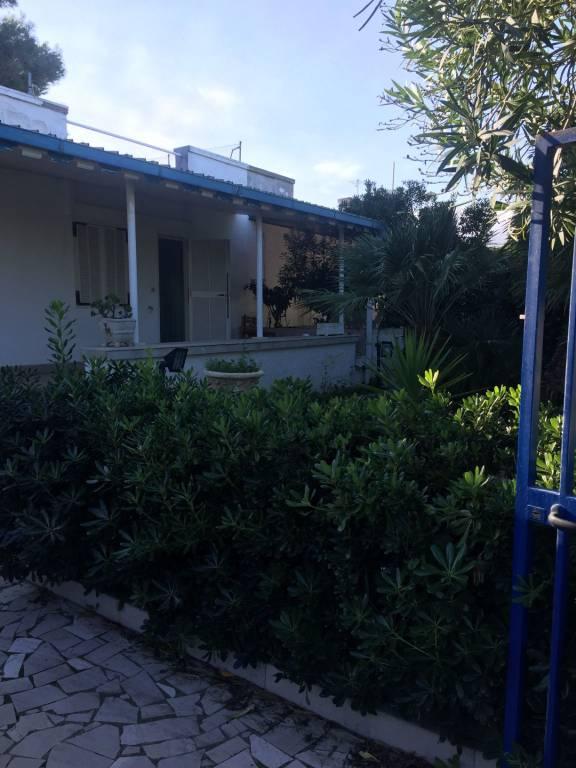 Villa in buone condizioni parzialmente arredato in vendita Rif. 9059370