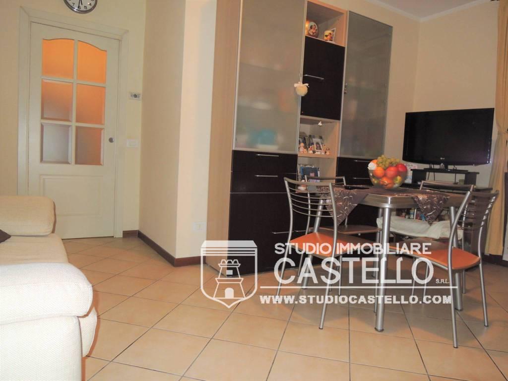 Appartamento in ottime condizioni in vendita Rif. 9058804